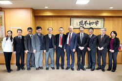 Photo 2: (the forth from the right) Dr. Hwa-Liang Chiou, Representative of ITRI Japan Office