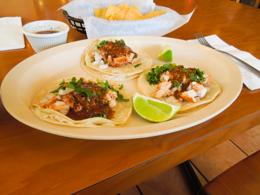 メキシカンは3ドルくらいで食べられます